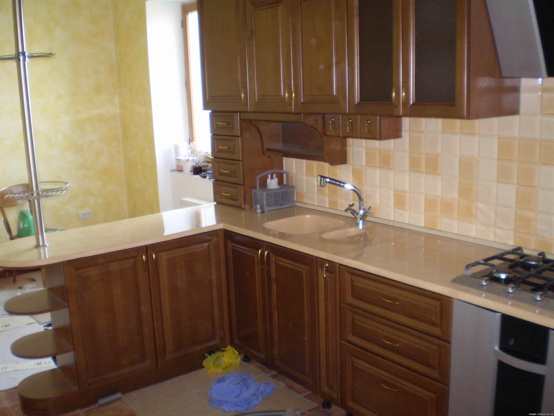 Мебель для кухни с балконом..